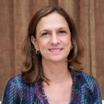 Dra. Lorraine Foley